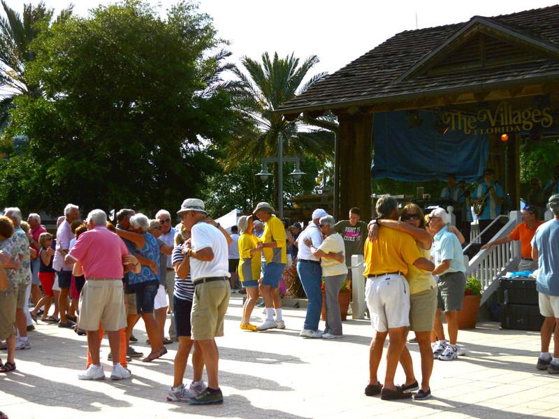 Villages город стариков во флориде