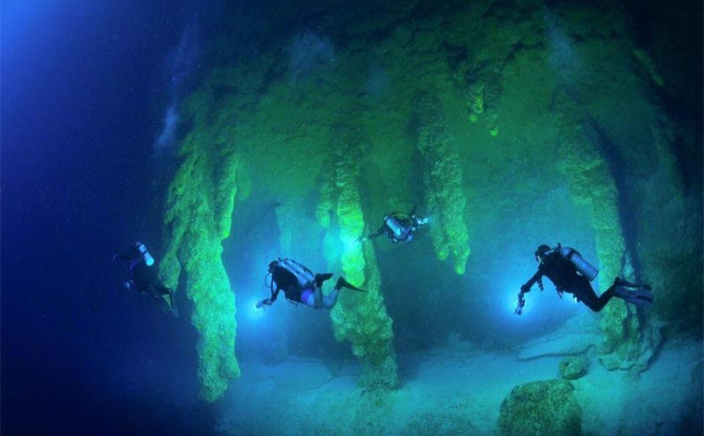 Большая голубая дыра в Белизе пещеры1