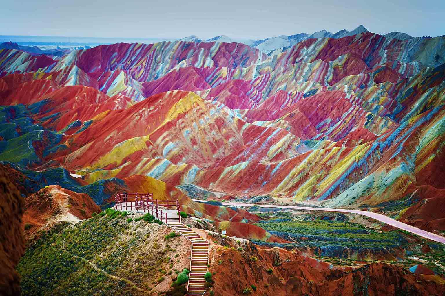 Радужные горы Чжанъе Данься в Ганьсу, Китай