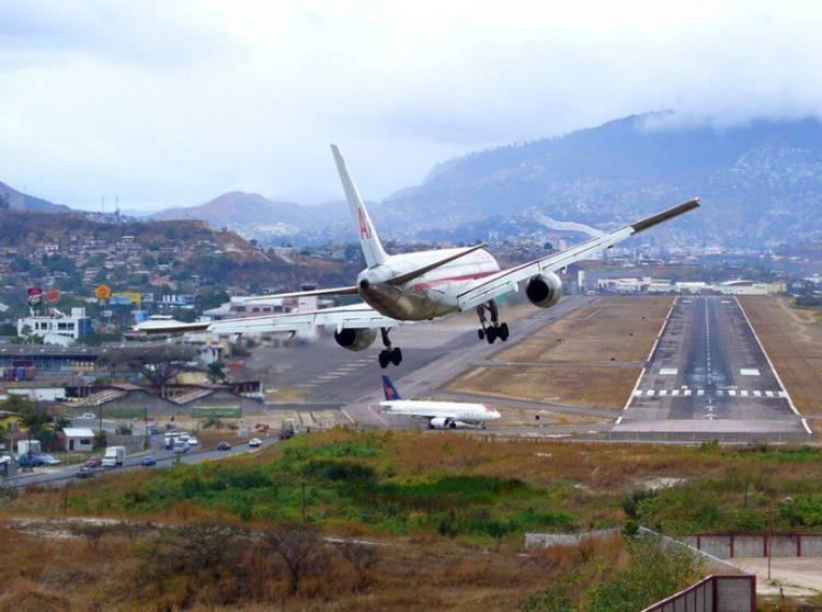 Аэропорт Тонконтин, Тегусигальпа, Гондурас