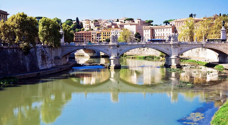 Мост Мульвиева в Риме
