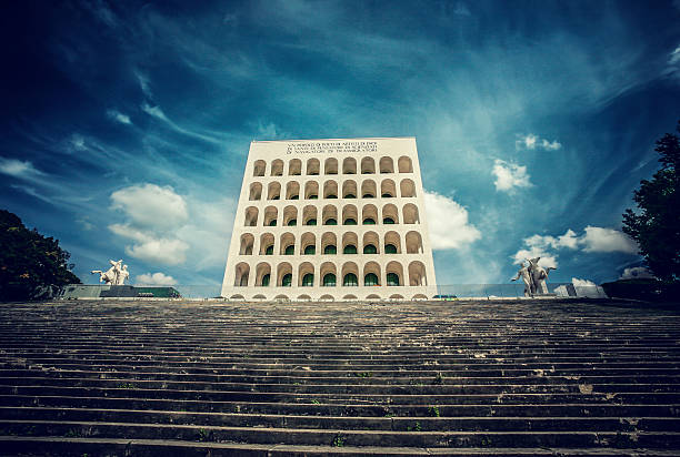 площади Колизея во Дворце Сивилта дел Лаворо