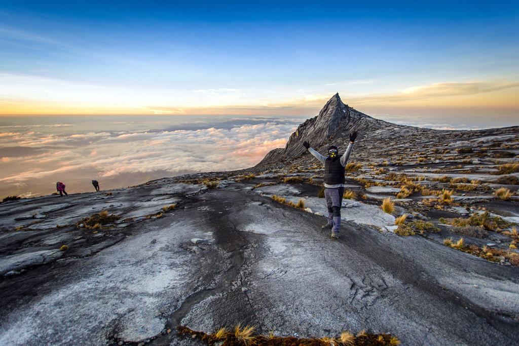 самая высокая вершина Юго-Восточной Азии-Гора Кинабалу