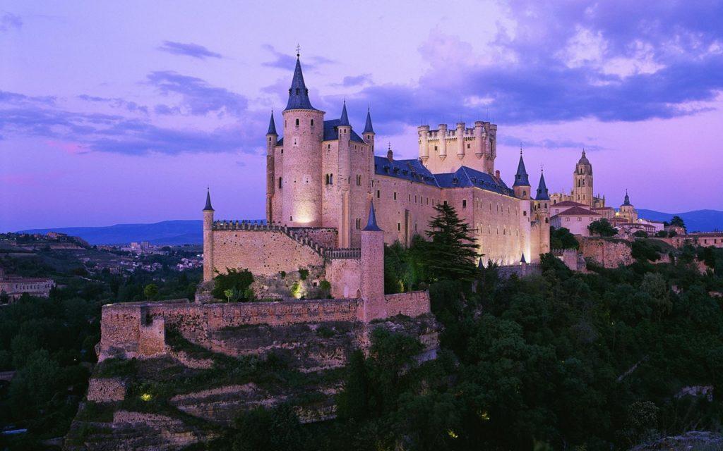 Алькасар-в-Сеговии-Испания