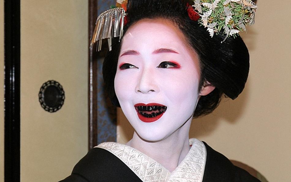 черные зубы гейши