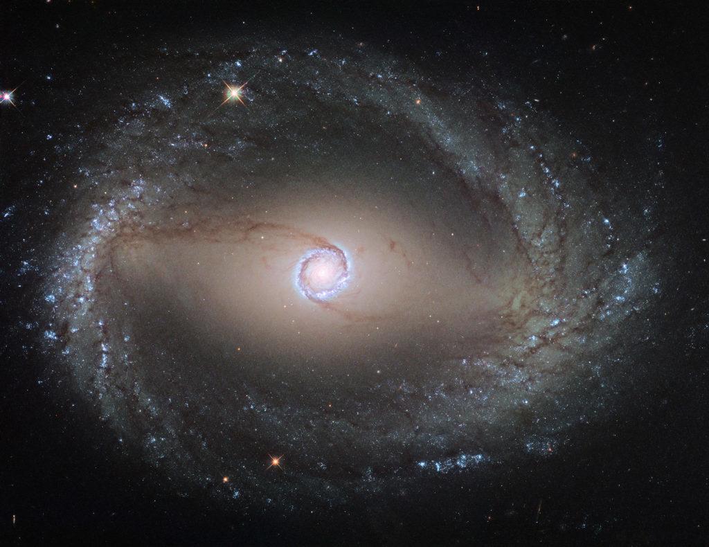 ГАЛАКТИКА NGC 1512