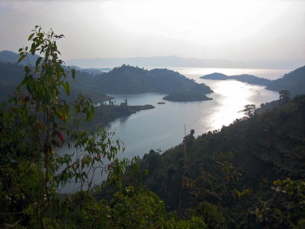 Озеро Монун