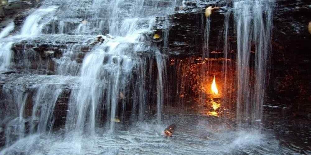 Водопад вечный огонь, Орчард-Парк, Нью-Йорк
