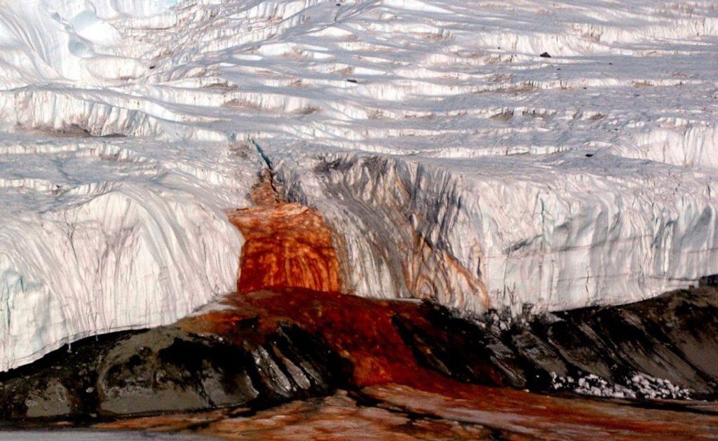 Кровавый Водопад, Антарктида