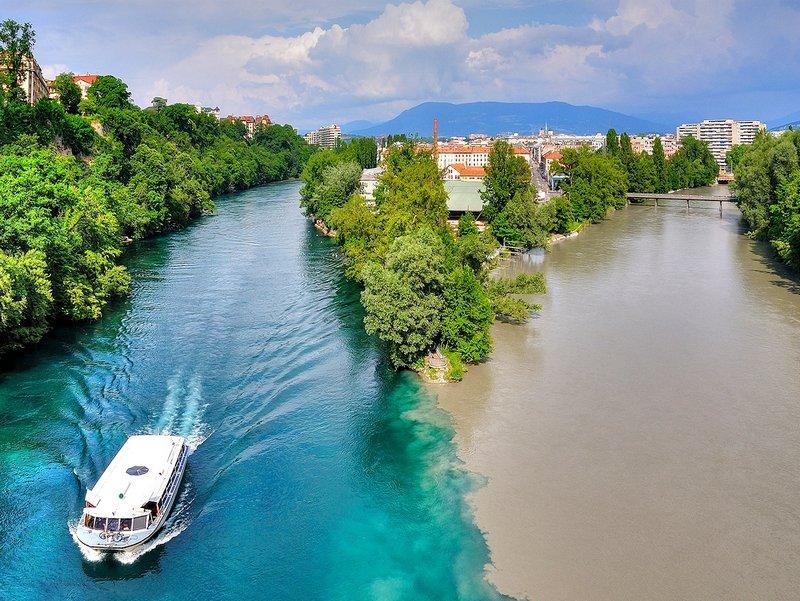 Слияние рек Роны и Арве