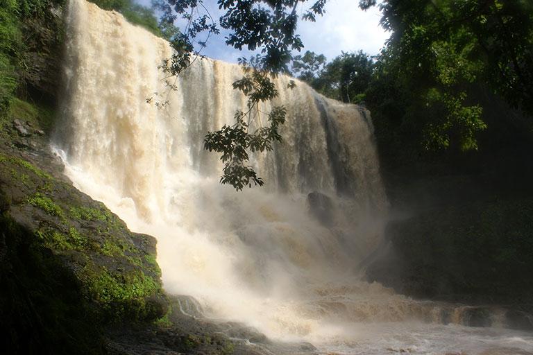 Водопад Бонсраа (Bou SRA waterfall)