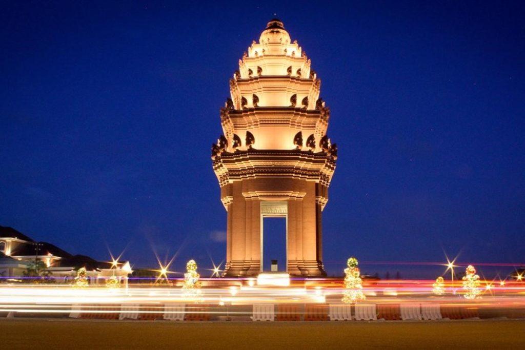Памятник Независимости, Камбоджа