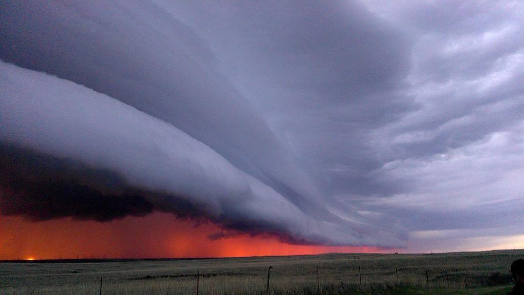 Грозовой вал (Shelf cloud)