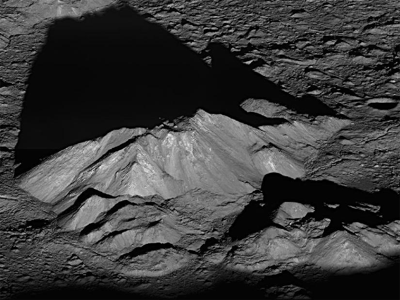 Самая высокая гора на Луне-Монс Гюйгенс