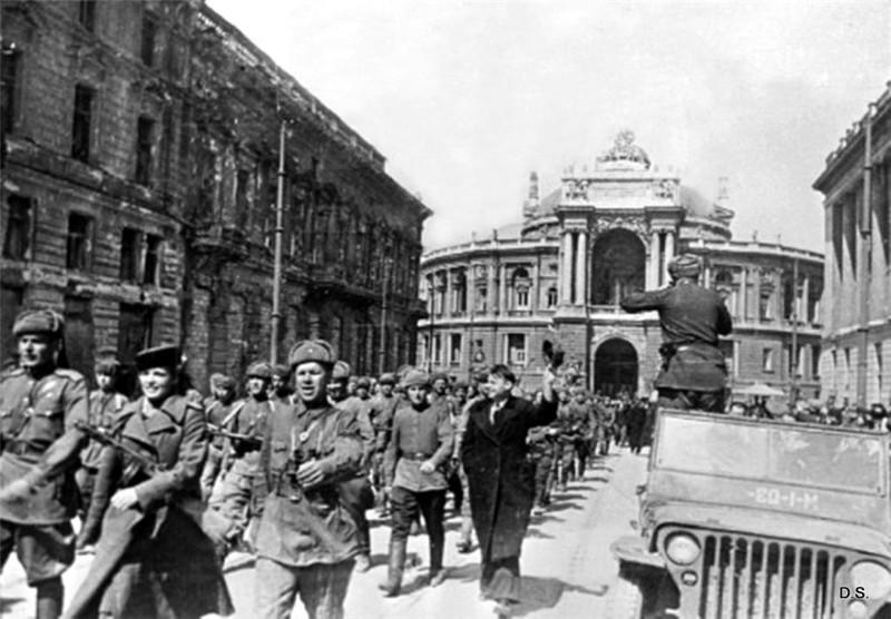 1944 года, когда город был освобожден Советской Армией
