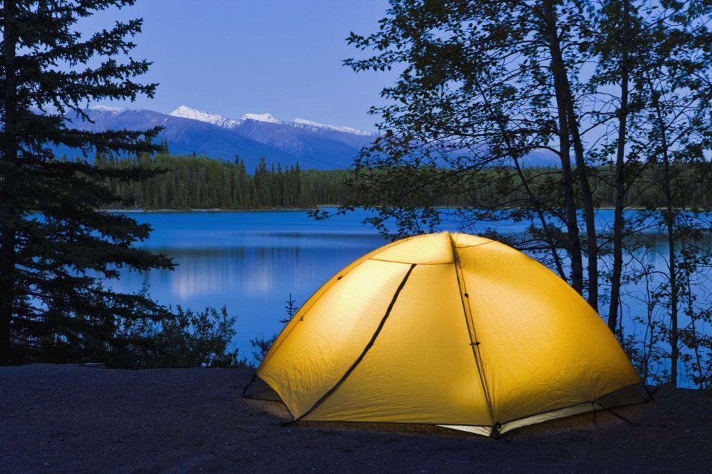 Boya Lake Провинциальный Парк, Канада