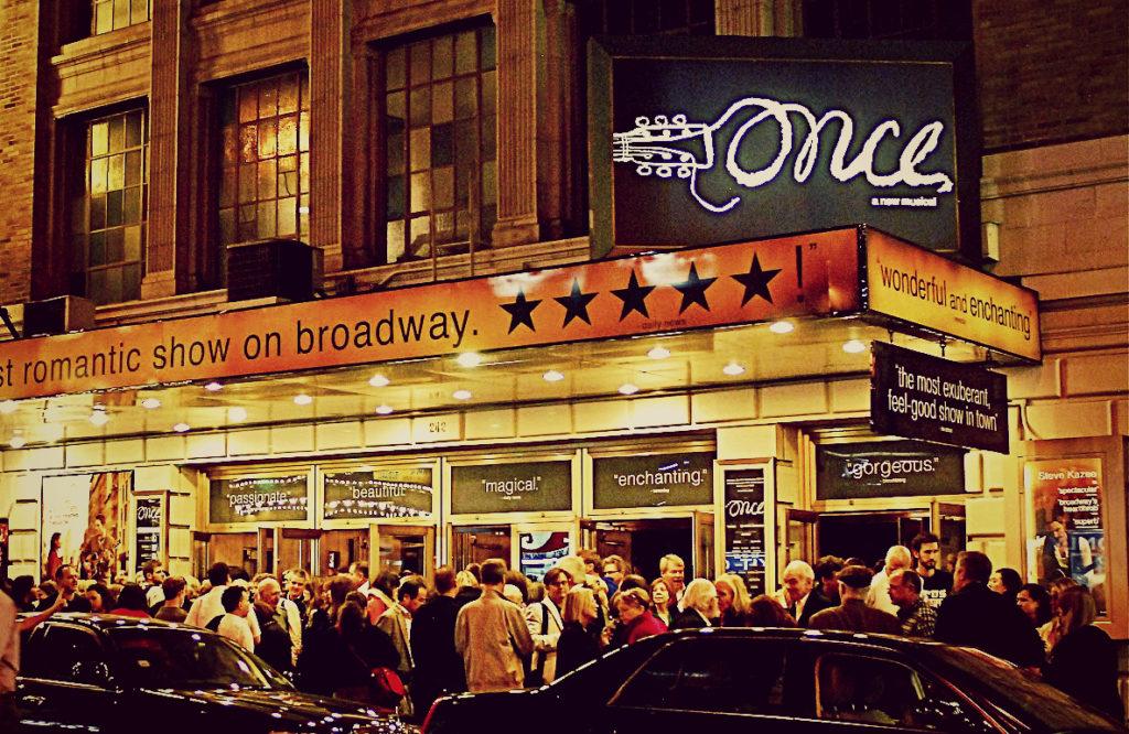 Бродвей и театральный район