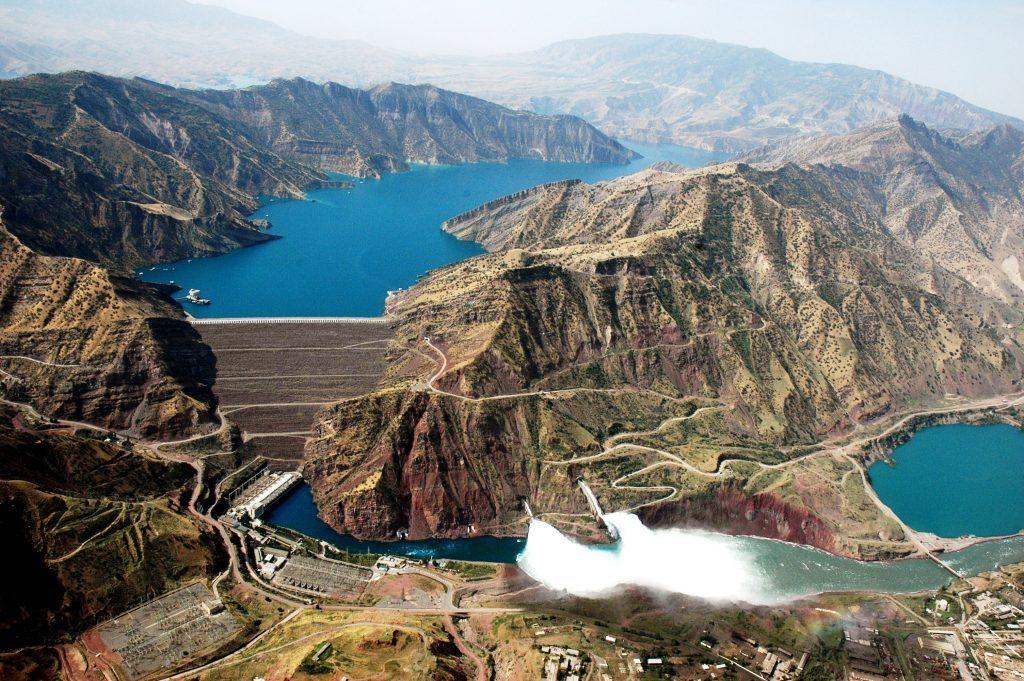Нурекская Плотина, Таджикистан – 300 метров