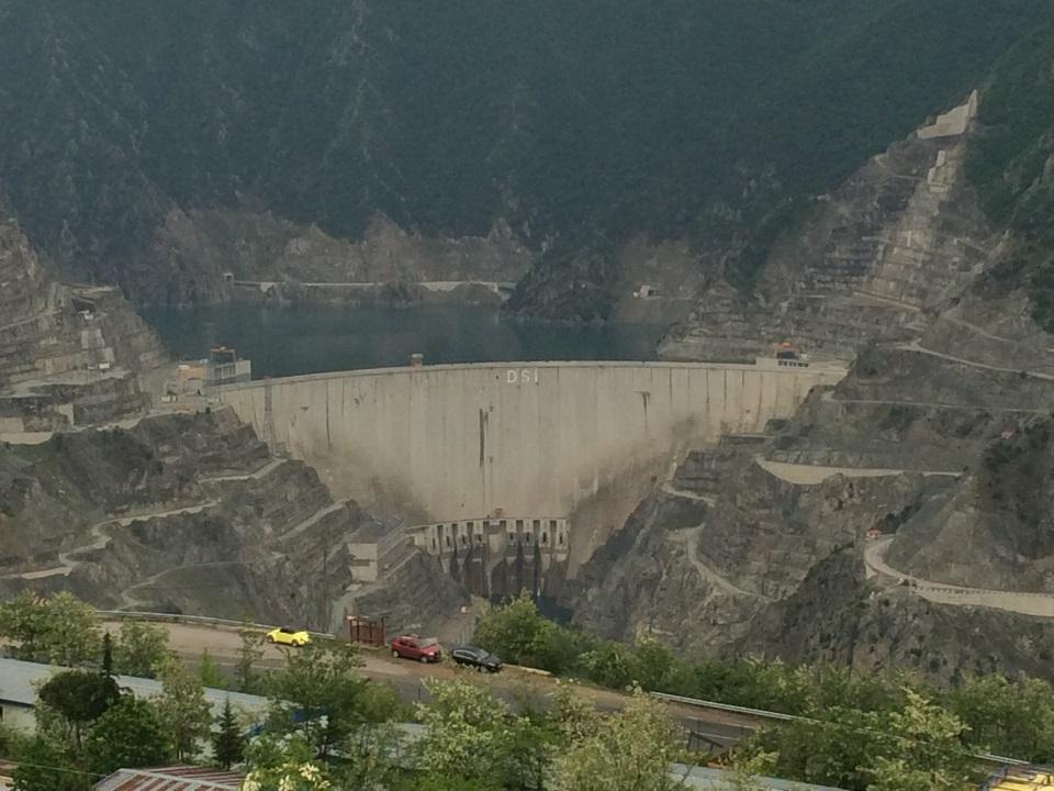 Плотина Юсуфели, Турция-270 метра