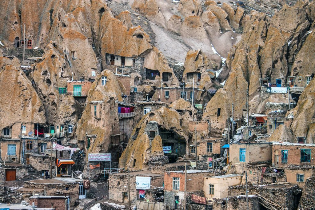 Кандован, Оску, Иран
