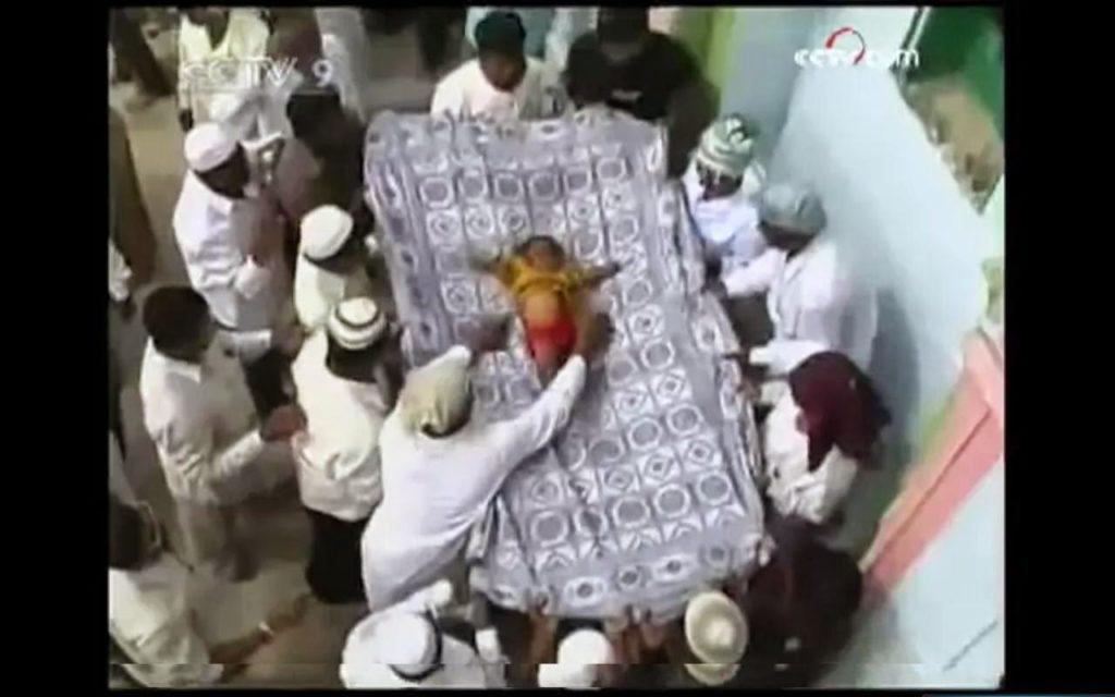 Сбрасывание младенцев