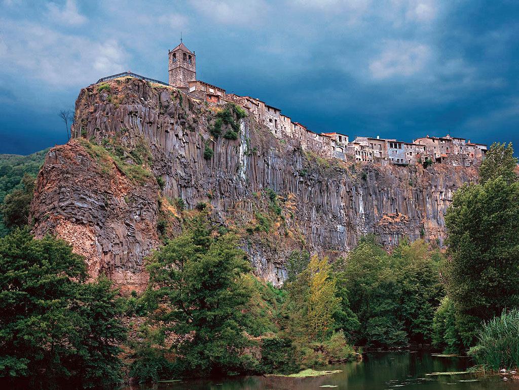 Кастельфульит-де-ла-Рока, Испания