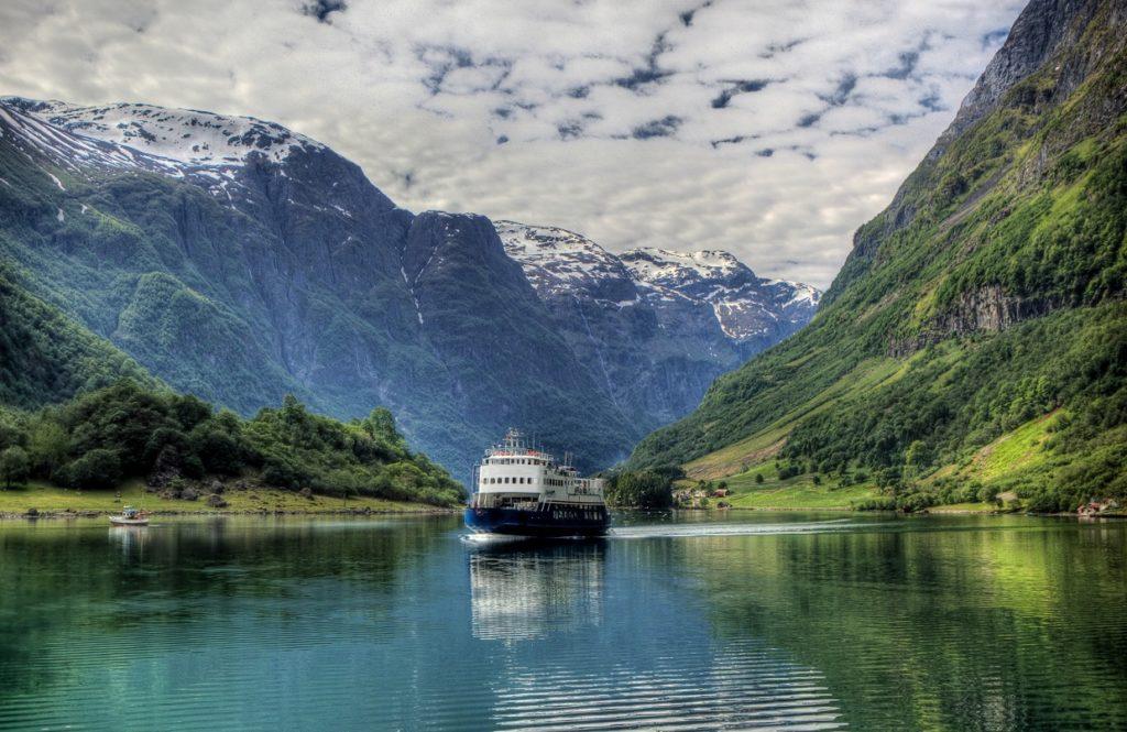 Нерейфьорд, Норвегия
