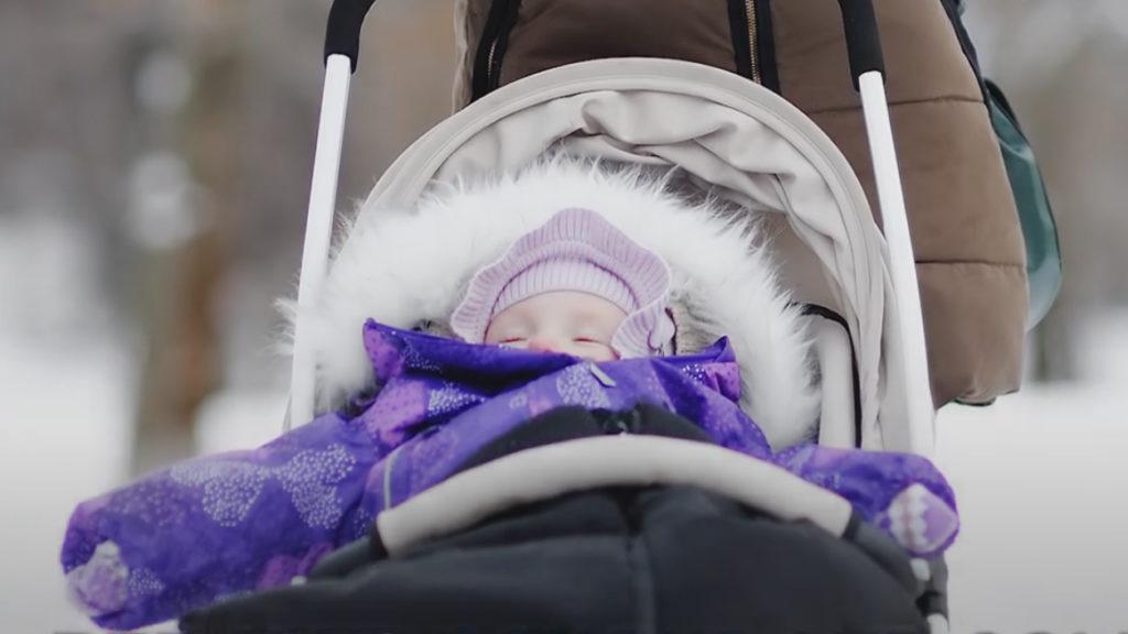 Родители разрешают детям спать на улице в Скандинавии