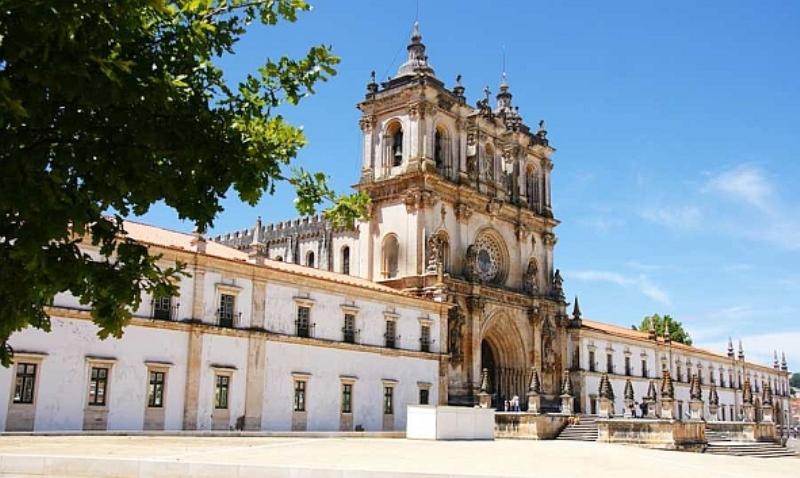 Монастырь Алькобака, в Португалии