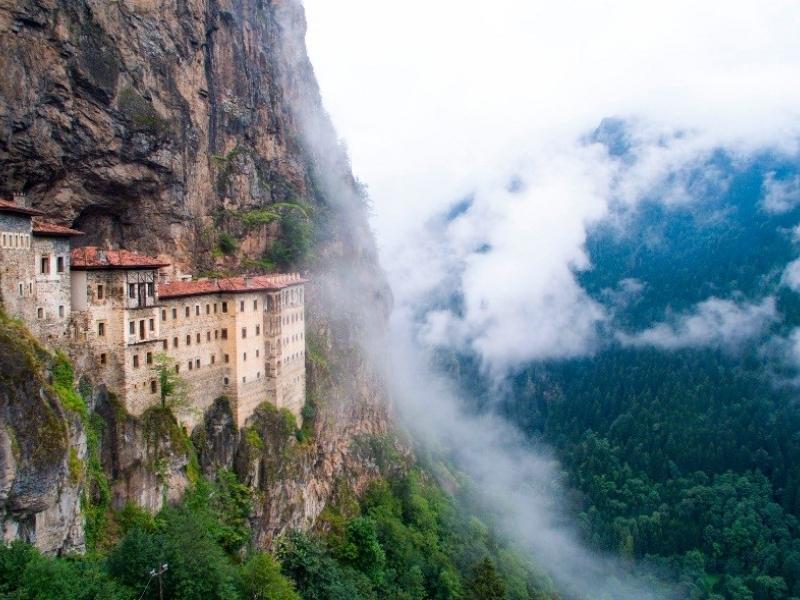 Монастырь Сумела в Турции