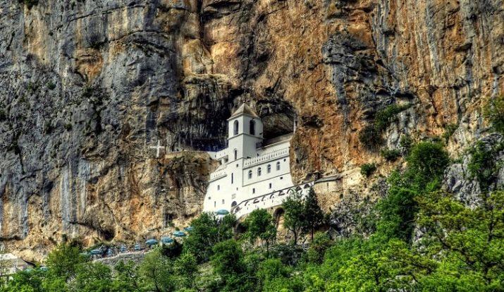 Острожский монастырь в Черногории