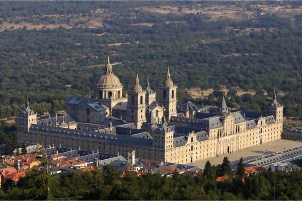 Эль-Эскориал, монастырь в Испании