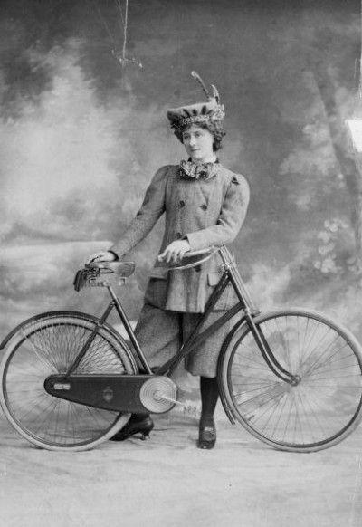 женщина в брюках 20 век начало