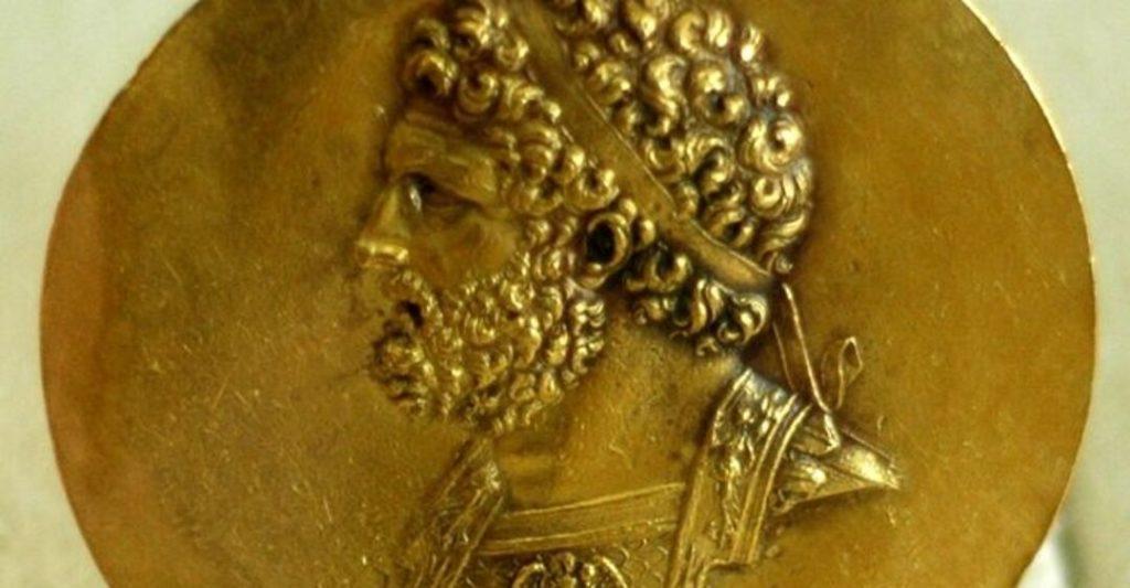 отца Александра, Филиппа II Македонского
