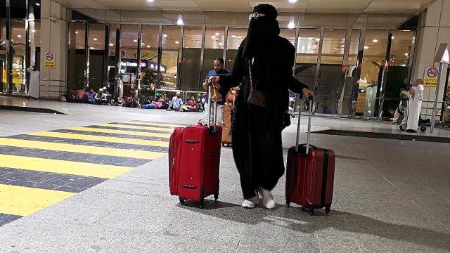 Женщинам нельзя путешествовать без мужчин в Саудовской Аравии