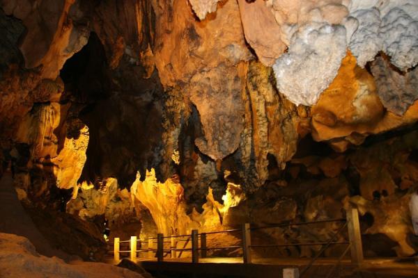 Спелеотуризм в пещерах Чианг Дао