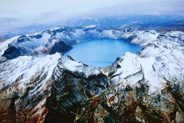 Горы Баекду
