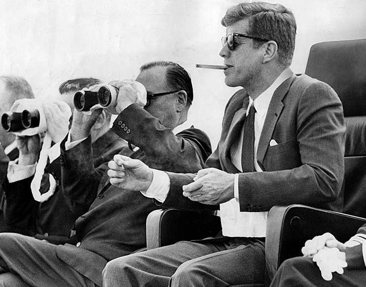Кеннеди любил сигары