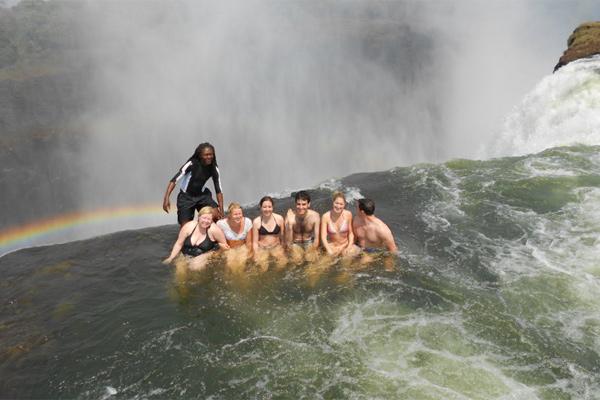 Дьявольский бассейн-водопад Виктория
