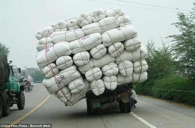 Перегруженные грузовики в Китае