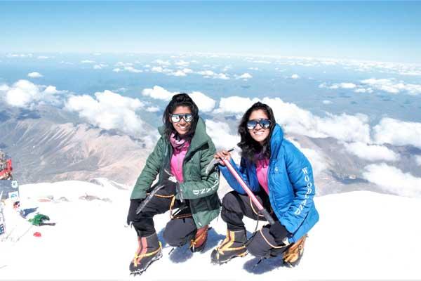 Первые близнецы на Эвересте