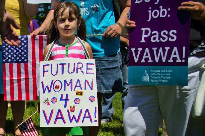 Закон о насилии в отношении женщин (VAWA)