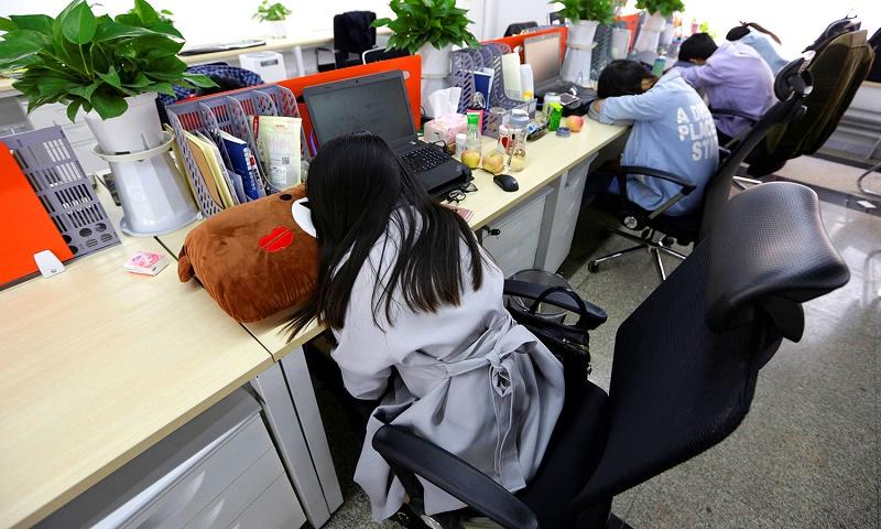 Сон на рабочем месте в Японии