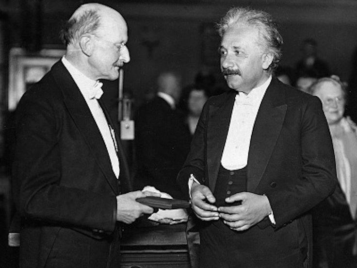 Альберт Эйнштейн получил Нобелевскую премию