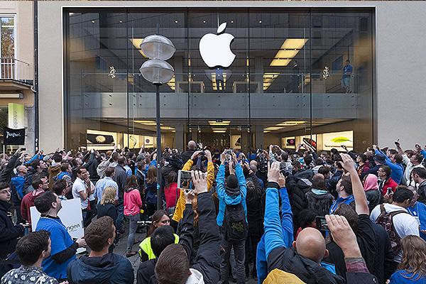 В 2012 году было продано 37,4 миллиона iPhone