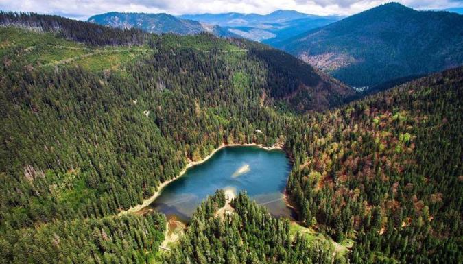 Синевир озеро Карпаты