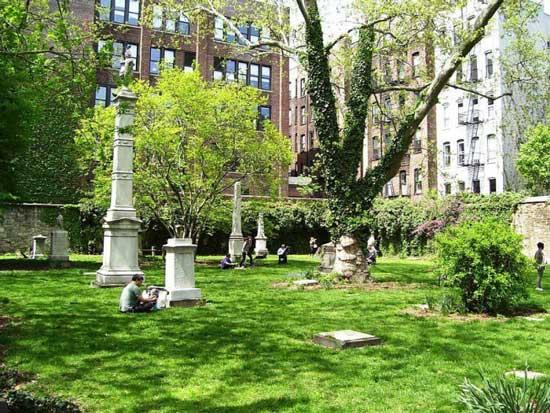 Нью-Йоркское мраморное кладбище
