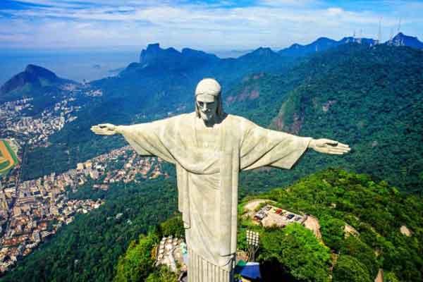 Cтатуя Христа-Искупителя в Рио-де-Жанейро, Бразилия