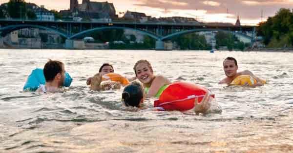 плавают в Швейцарии