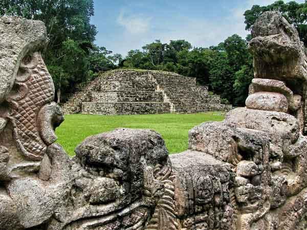 руины майя в Гондурасе
